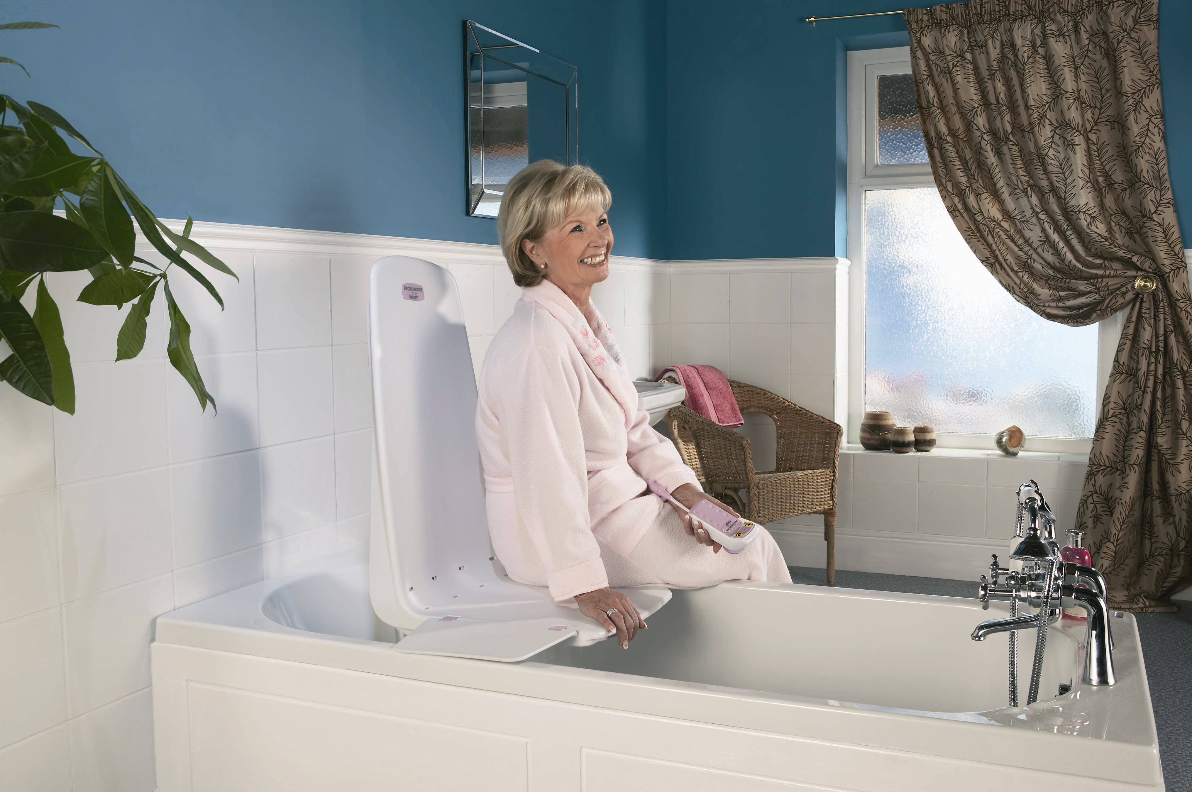 Mangar Archimedes Bath Lift - Oakpointe Medical Products